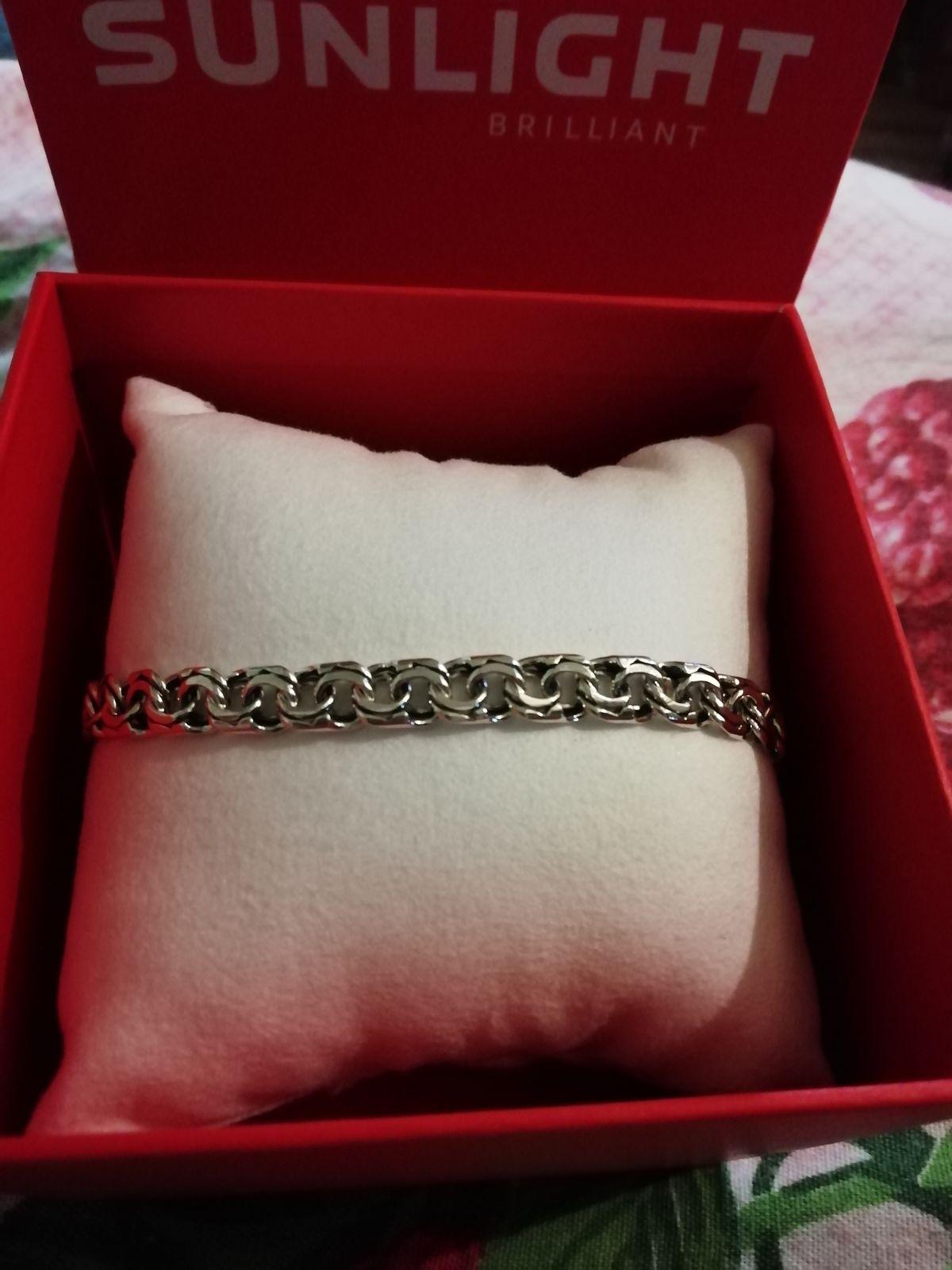 Красивый серебряный браслетик