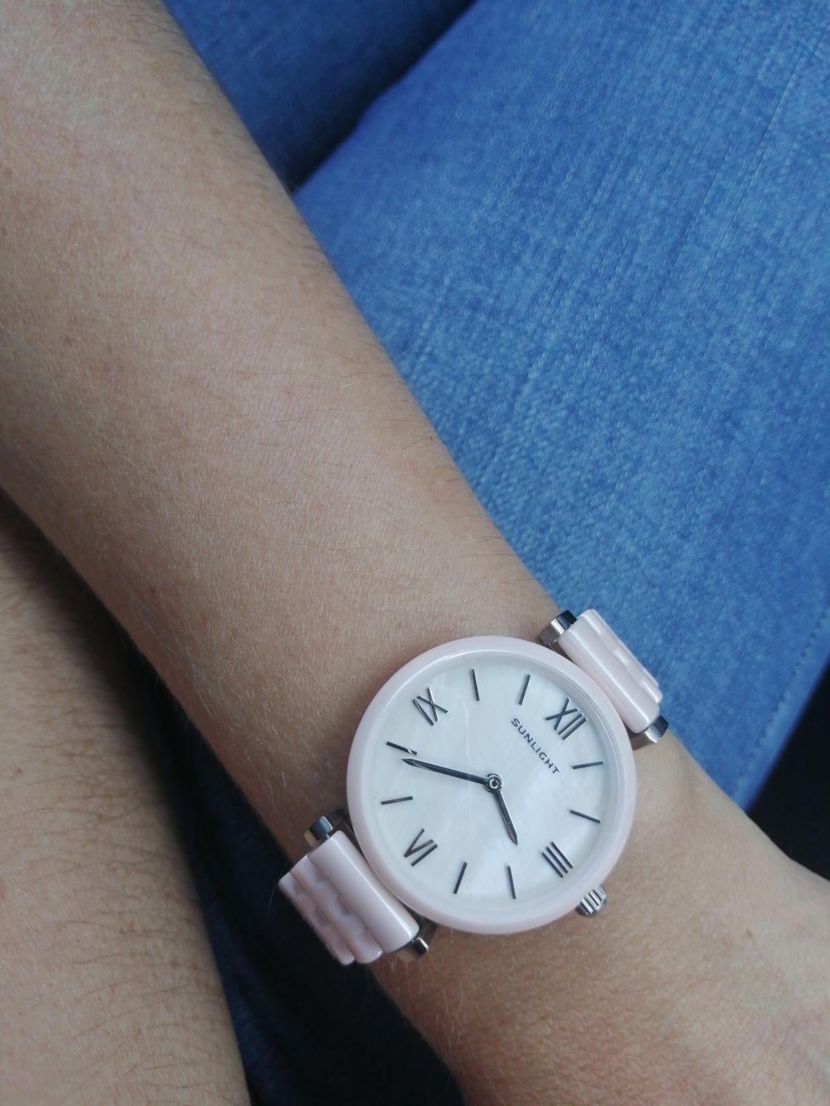 Керамические часы с перламутром
