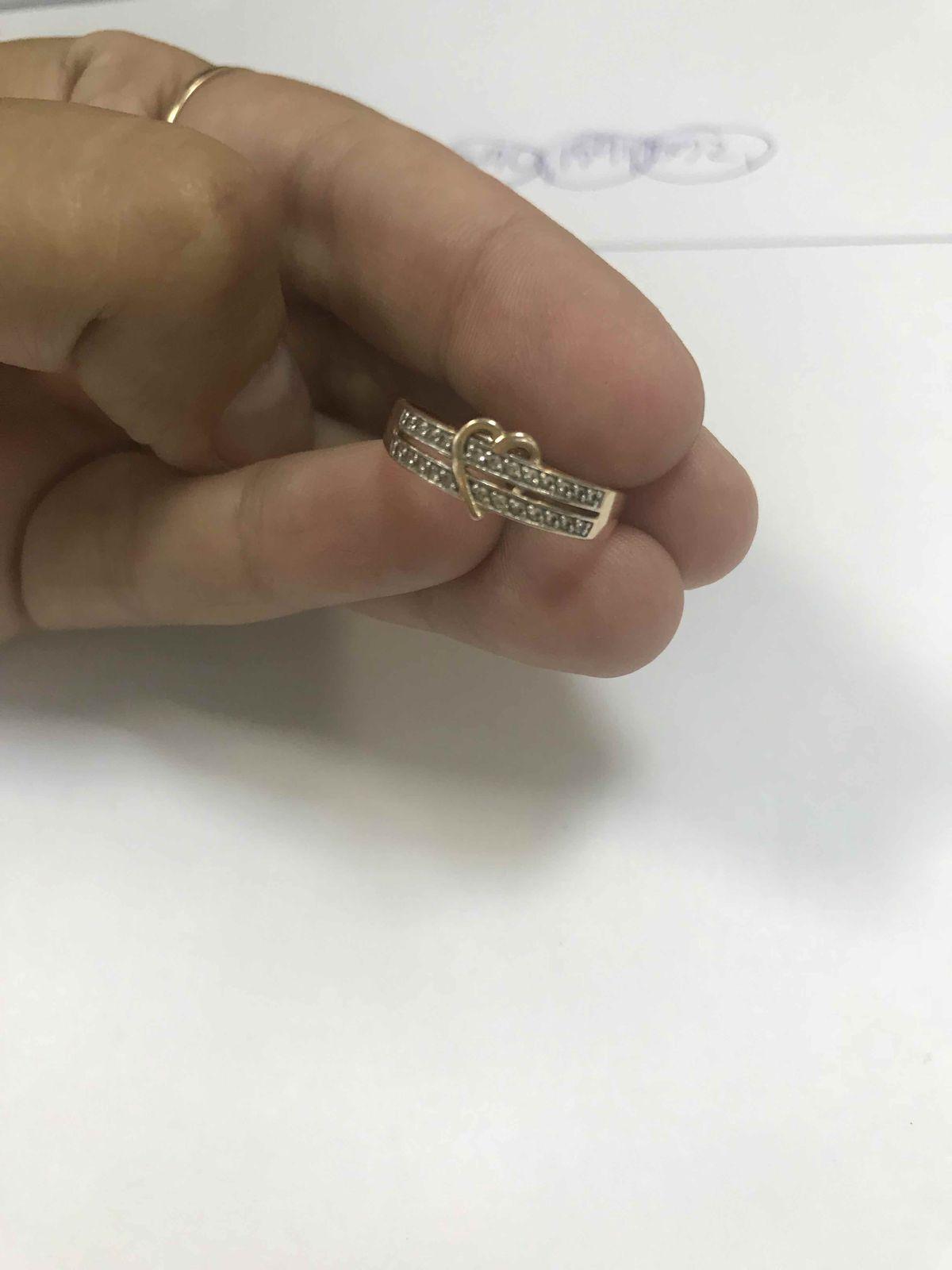 Золотое кольцо с сердцем