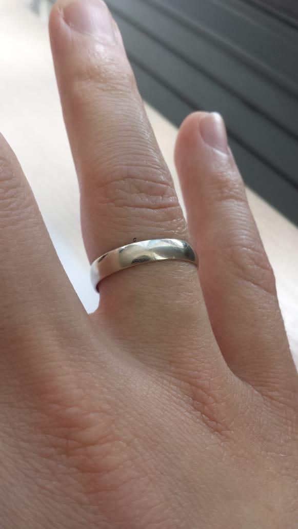 Отличное кольцо из белого золота