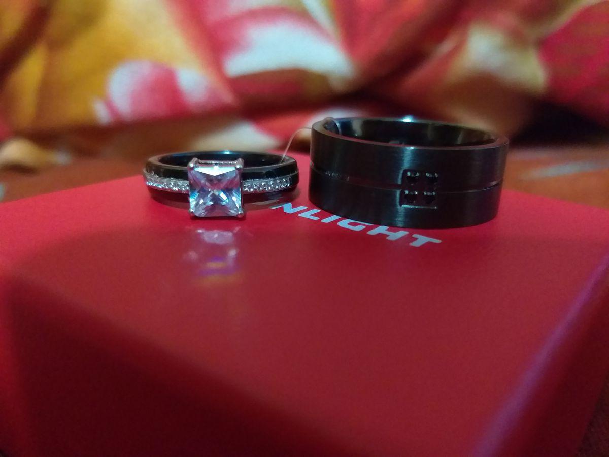 Мужское кольцо с чёрными фианитами😍