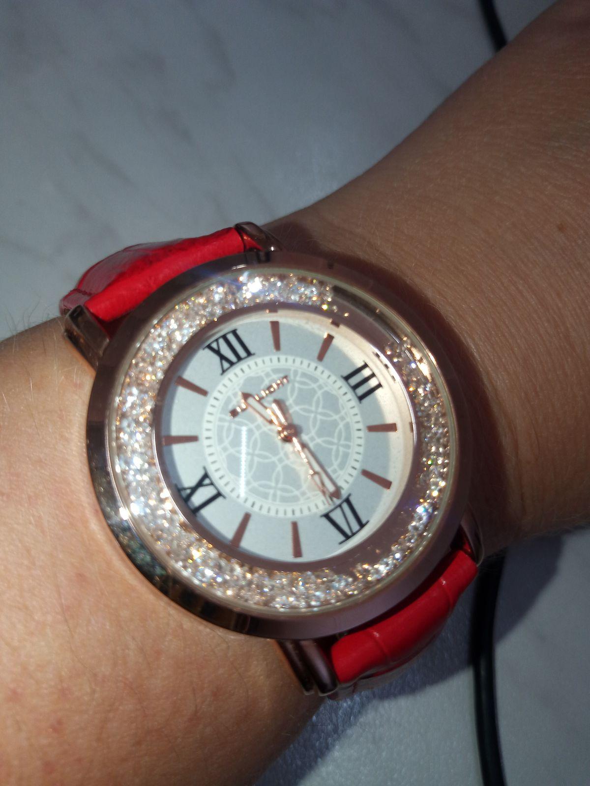 Изумительные часы, отличного качества