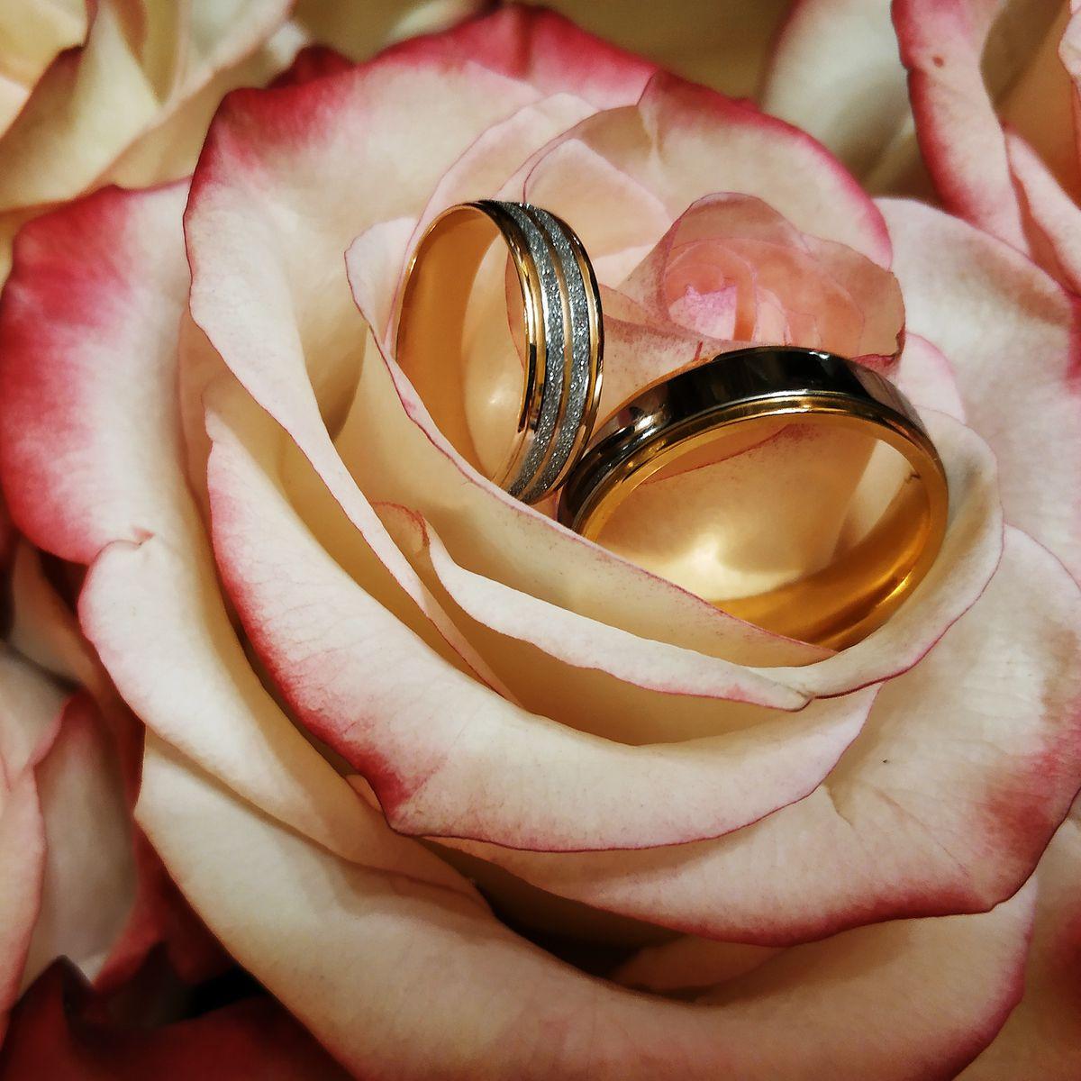Шикарное обручальное кольцо!