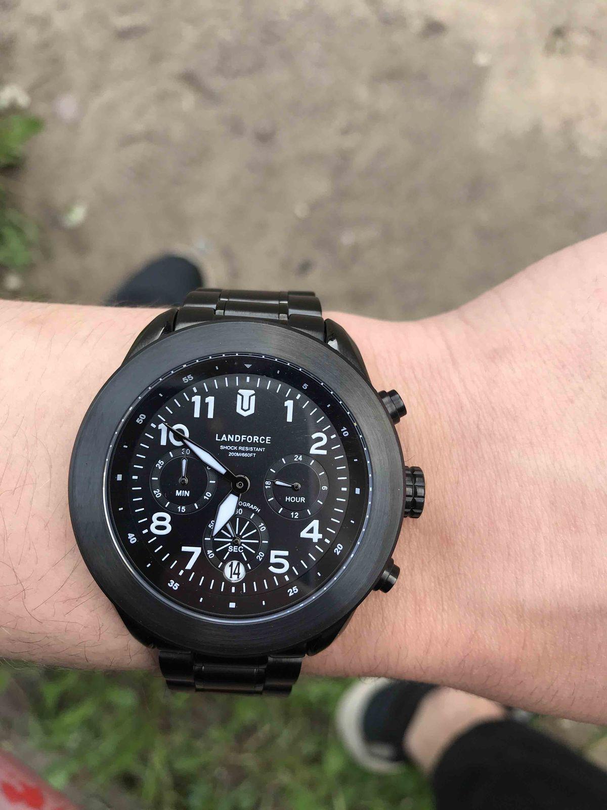 Замечательные часы и недорого